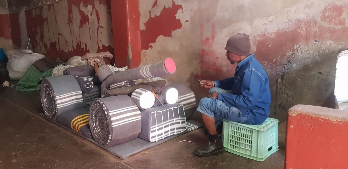 Constitution Hill: Ernest Ngubane applying the finishing touches to a tank