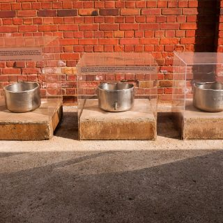 Constitution Hill: Cooking pots